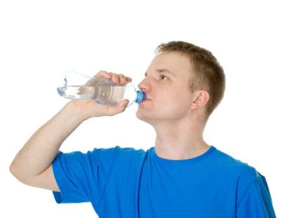 Banyakkan minum air demi kesihatan anda.