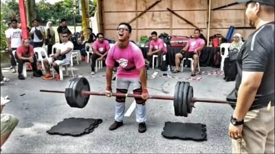 Aiman - Axle Deadlift 180kg
